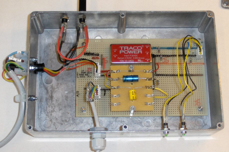 Teledyne hydrophone AQ-18 interface box - click to enlarge.